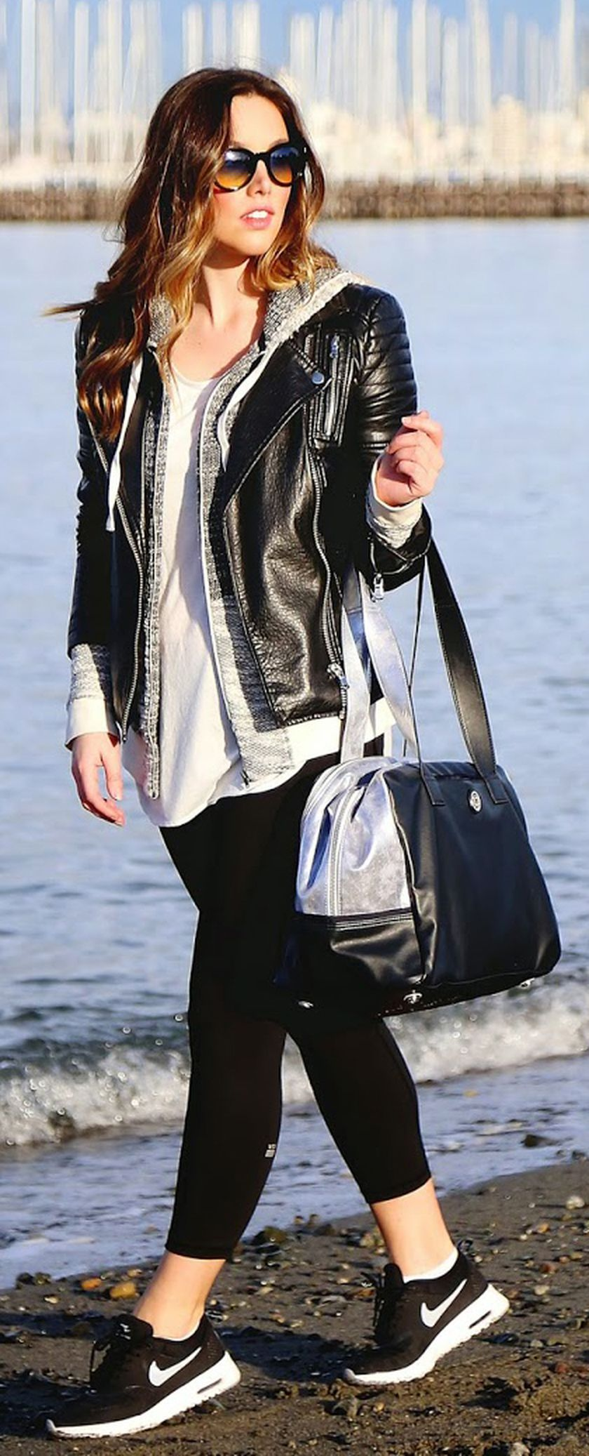 Sporty black leggings outfit and sneakers 109 - Fashion Best