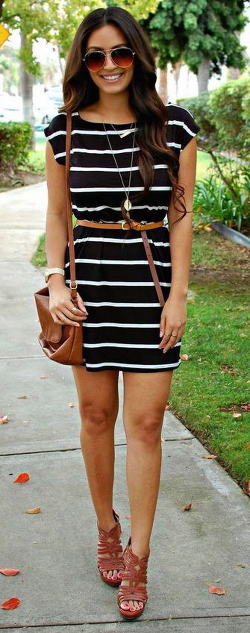 Casual black white striped midi dress outfit 34 - Fashion Best