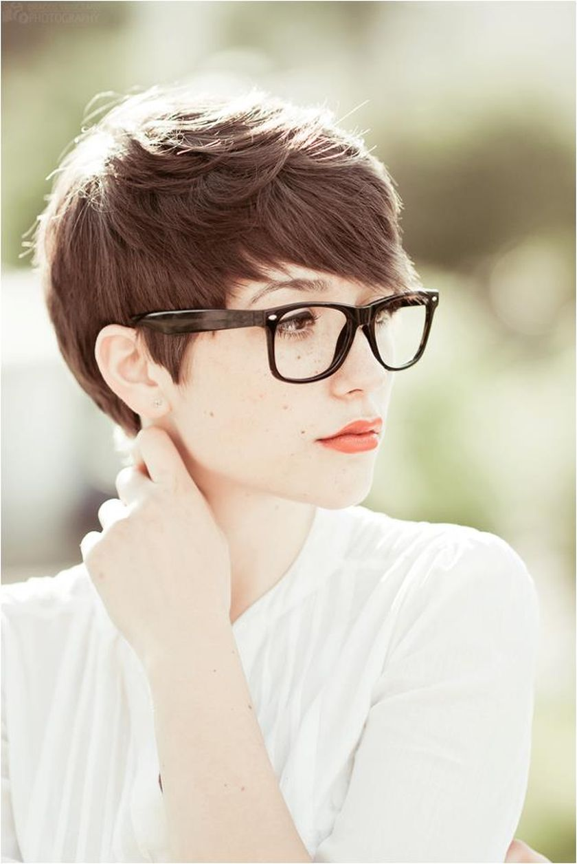 Short hair pixie cut hairstyle with glasses ideas 90 - Fashion Best