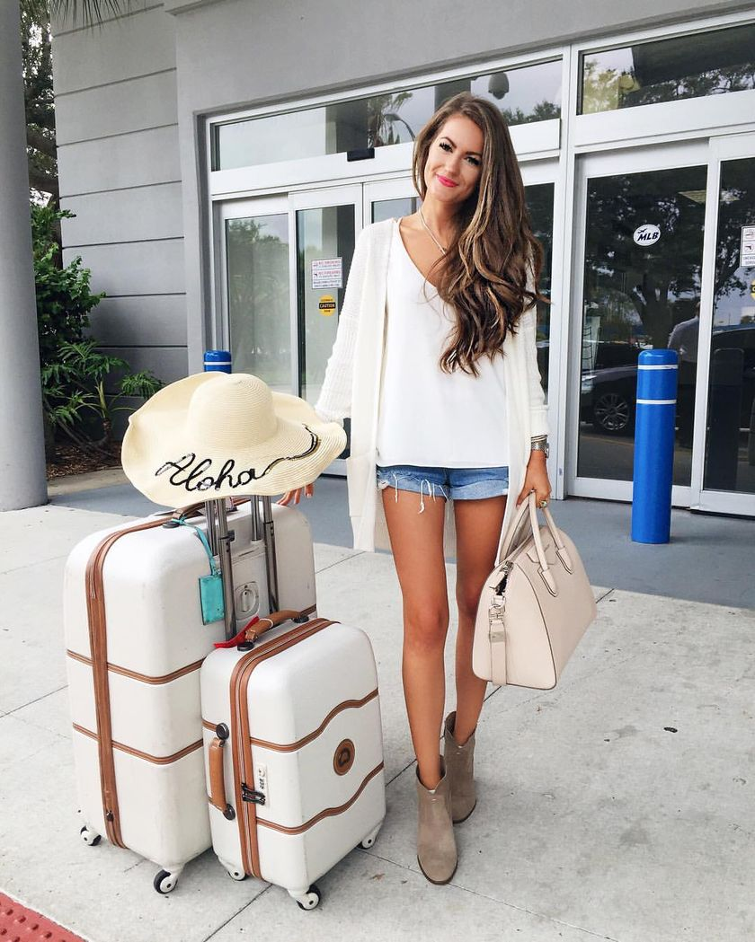 Summer airplane outfits travel style 15