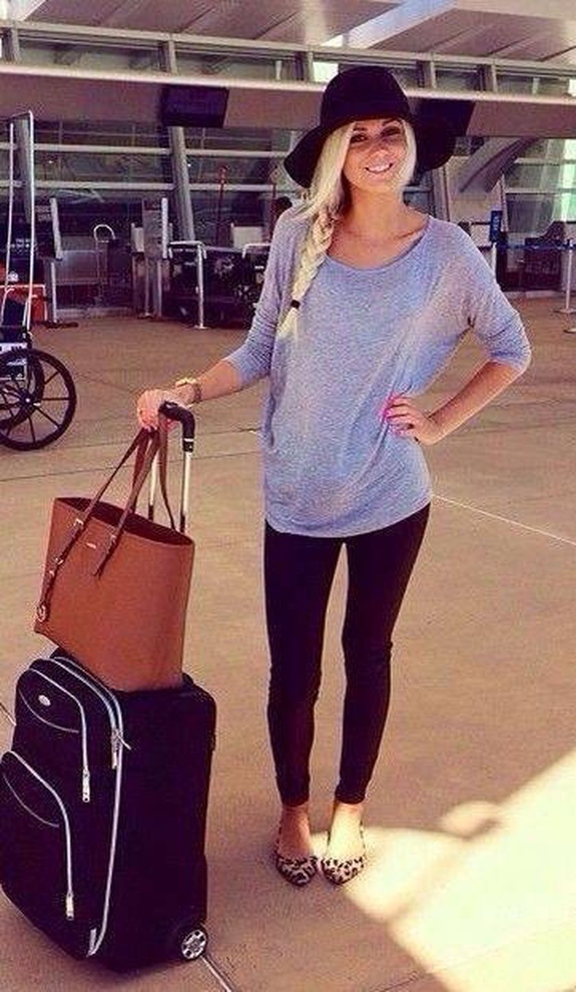 Summer airplane outfits travel style 23 - Fashion Best