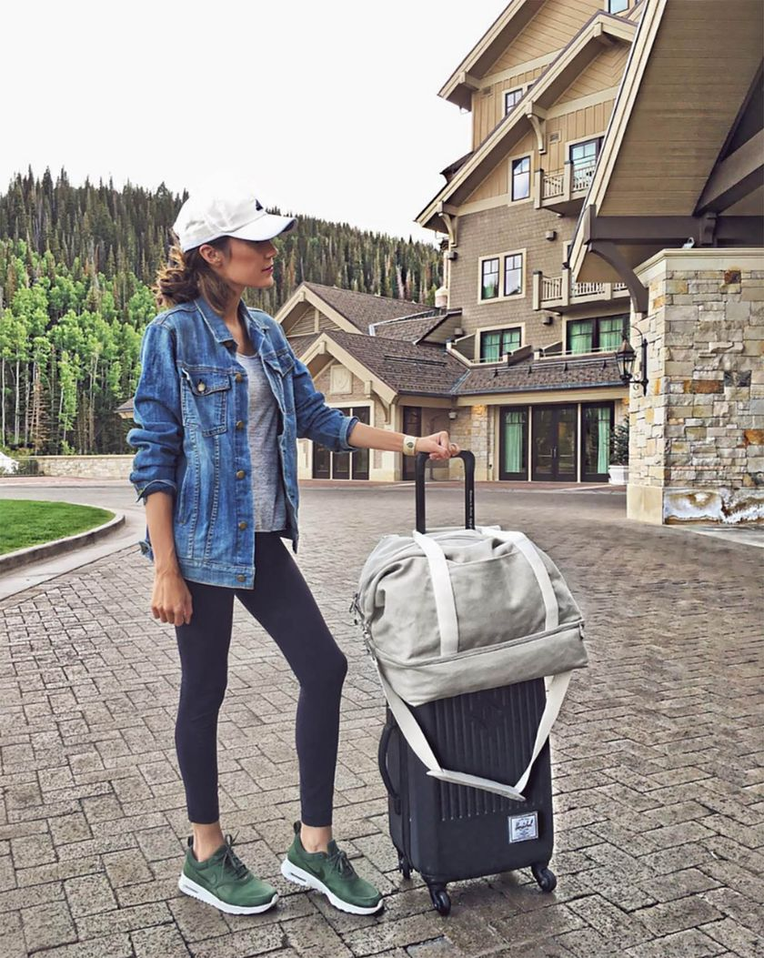 Summer airplane outfits travel style 47 - Fashion Best