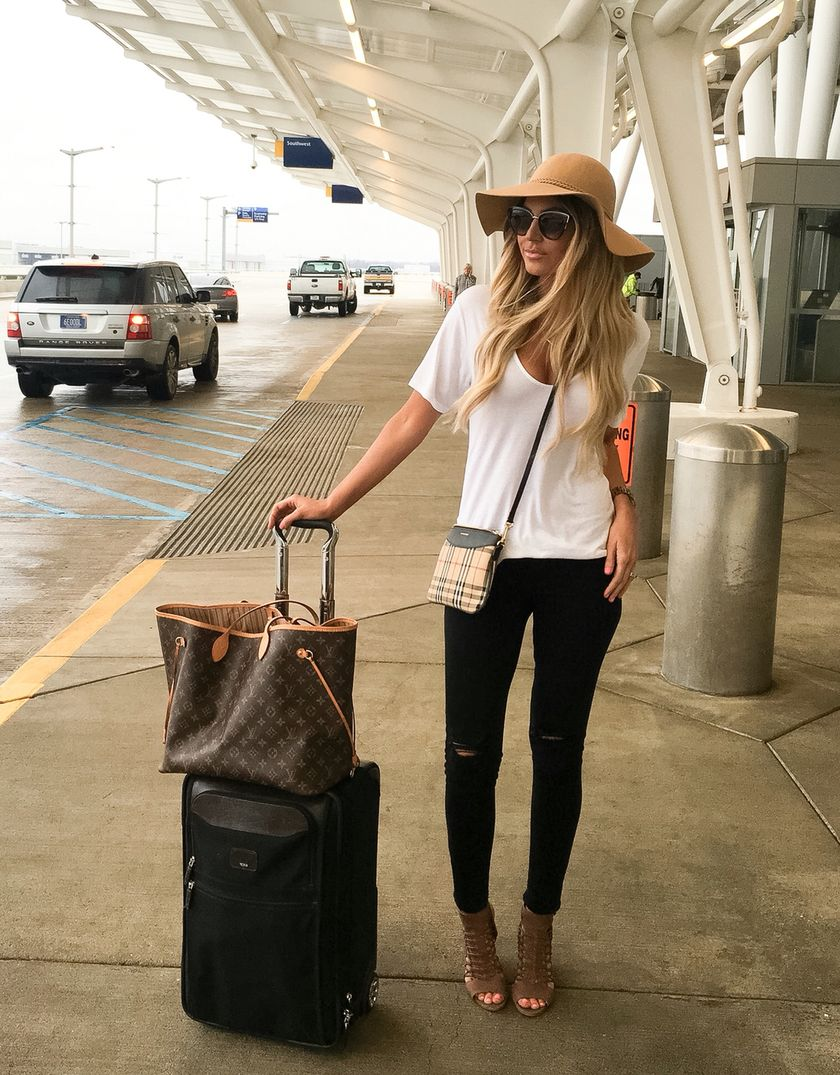 Summer airplane outfits travel style 50 - Fashion Best