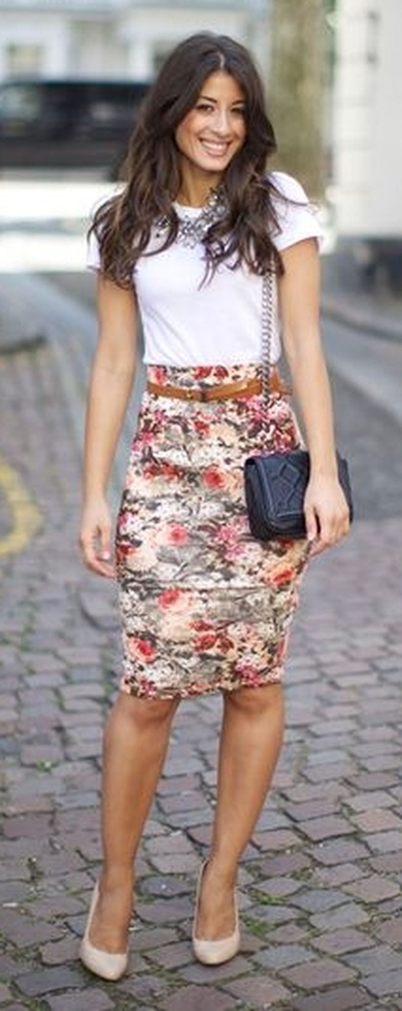 11 Everyday Natural Makeup Tutorials: Cool Tshirt And Skirt For Everyday Outfits 11