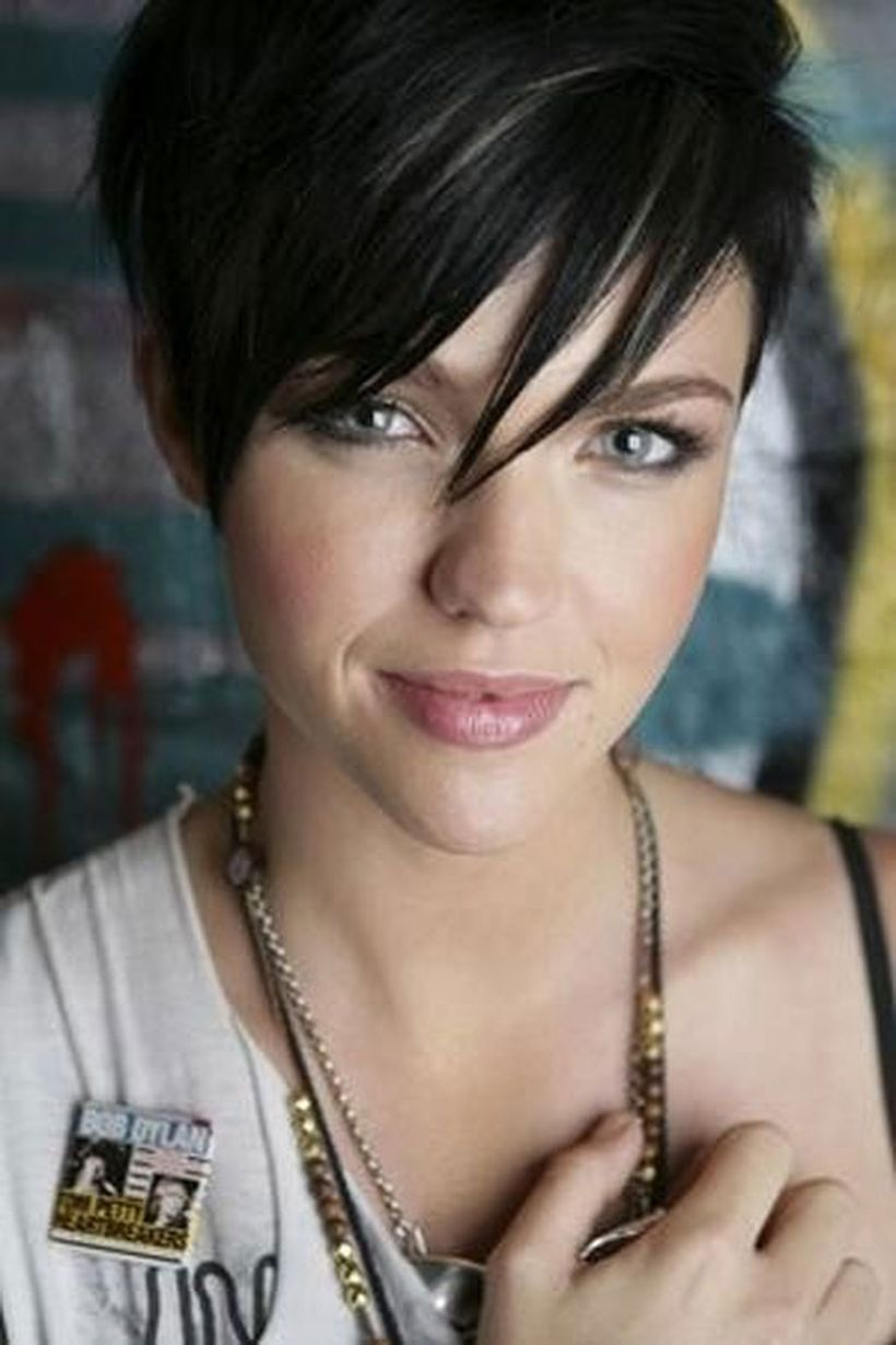 Funky Short Pixie Haircut With Long Bangs Ideas 109 Fashion Best