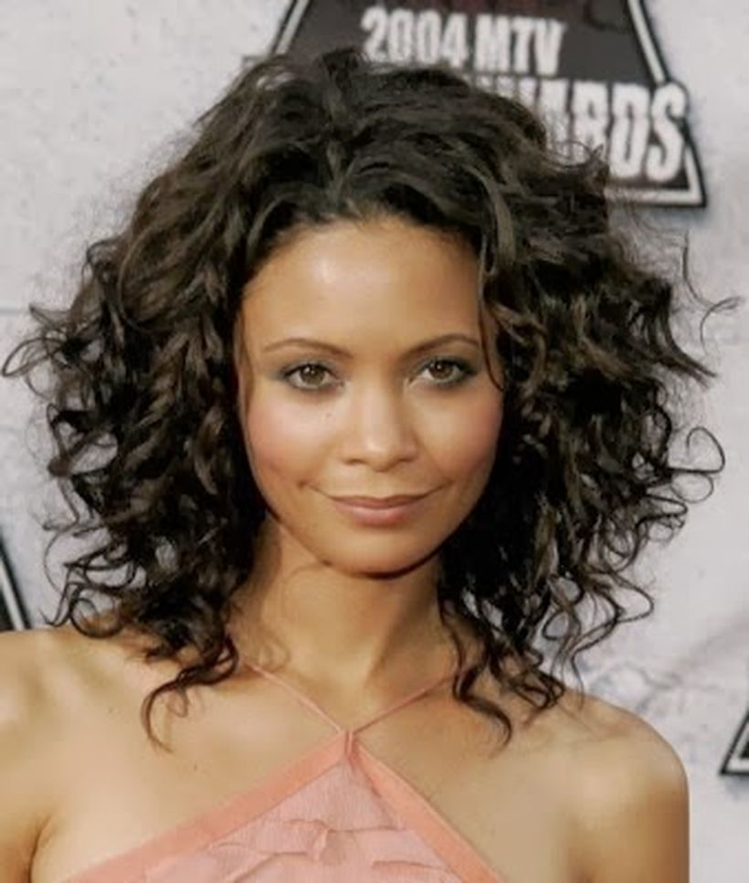 Stylist naturally curly haircuts ideas 11 Stylist