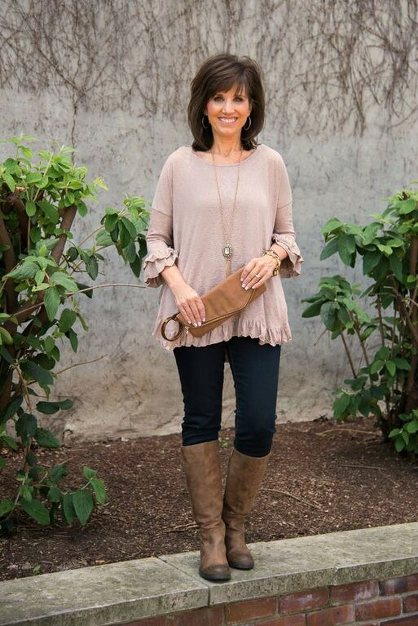 Fashionable over 50 fall outfits ideas 62 - Fashion Best