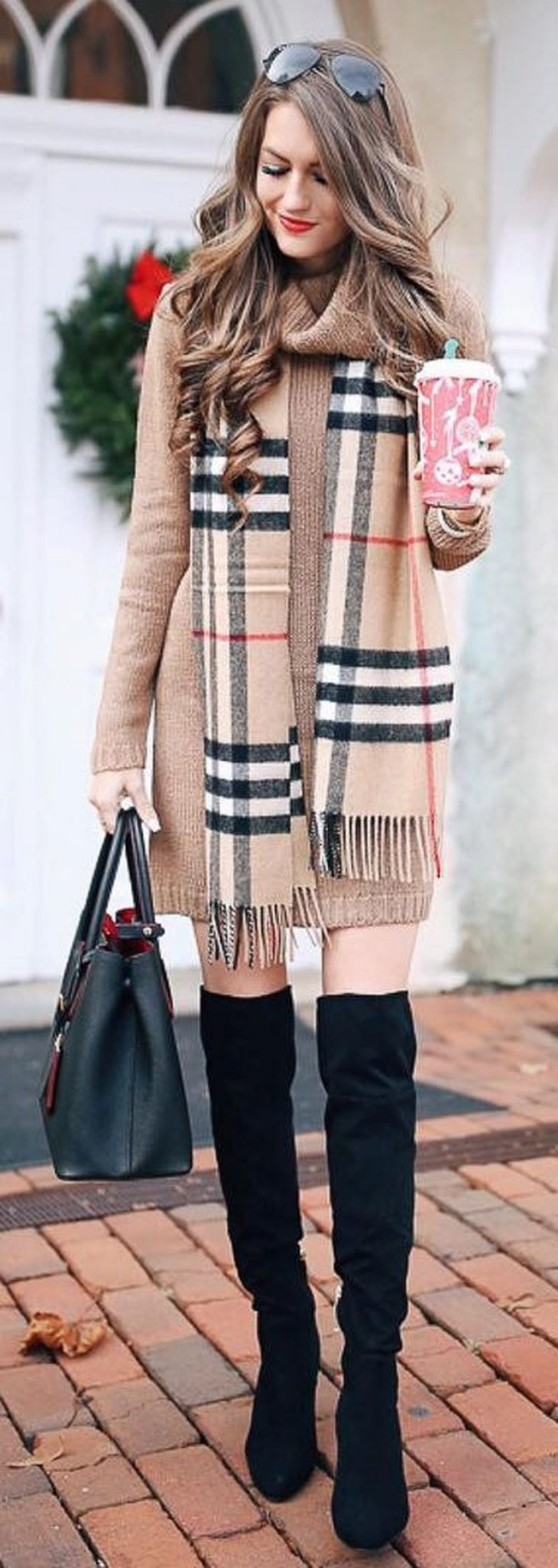 63 Winter Outfit Ideas From New York Fashion Week Fall: Fashionable Scarves For Winter Outfits 63