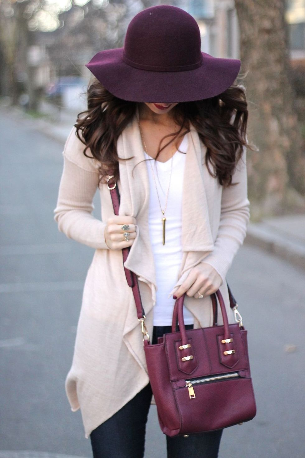 Fashionable Women Hats For Winter And Snow Outfits 10 -4440