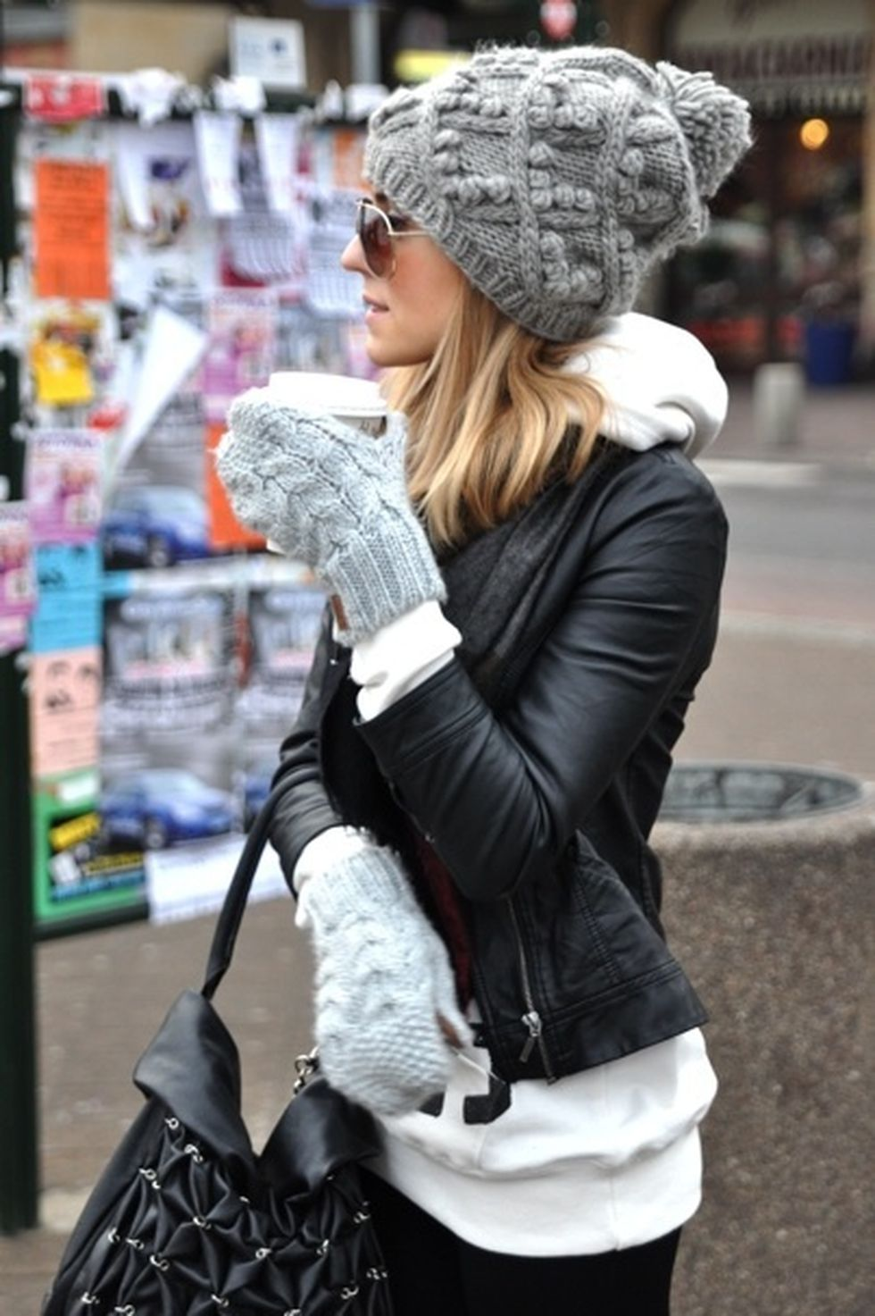 Fashionable Women Hats For Winter And Snow Outfits 12 -8867