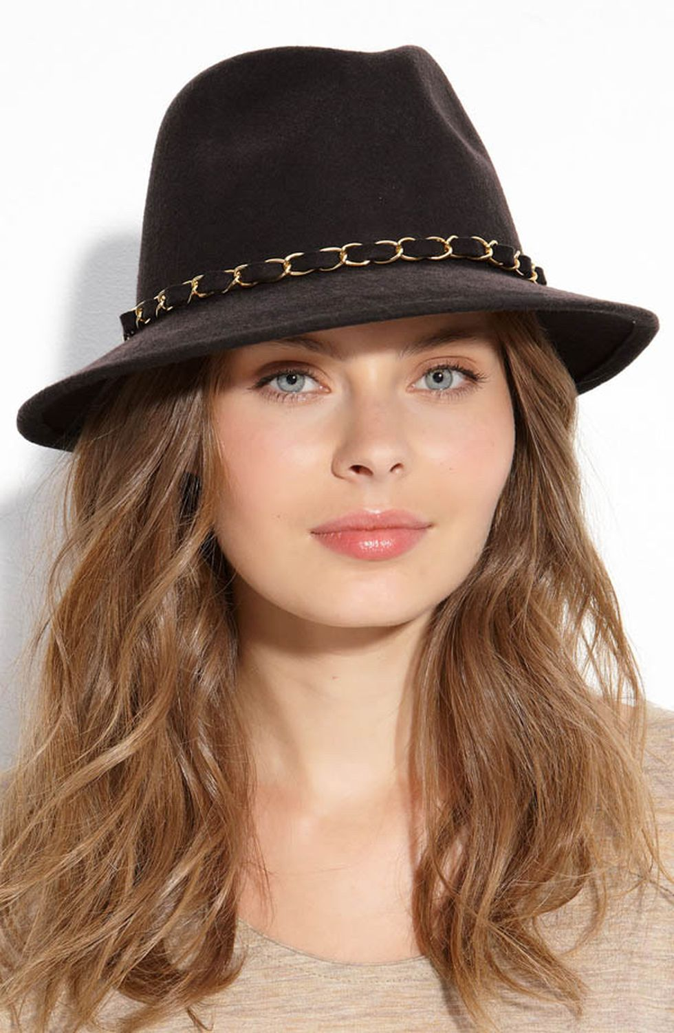 Fashionable Women Hats For Winter And Snow Outfits 47 -7483