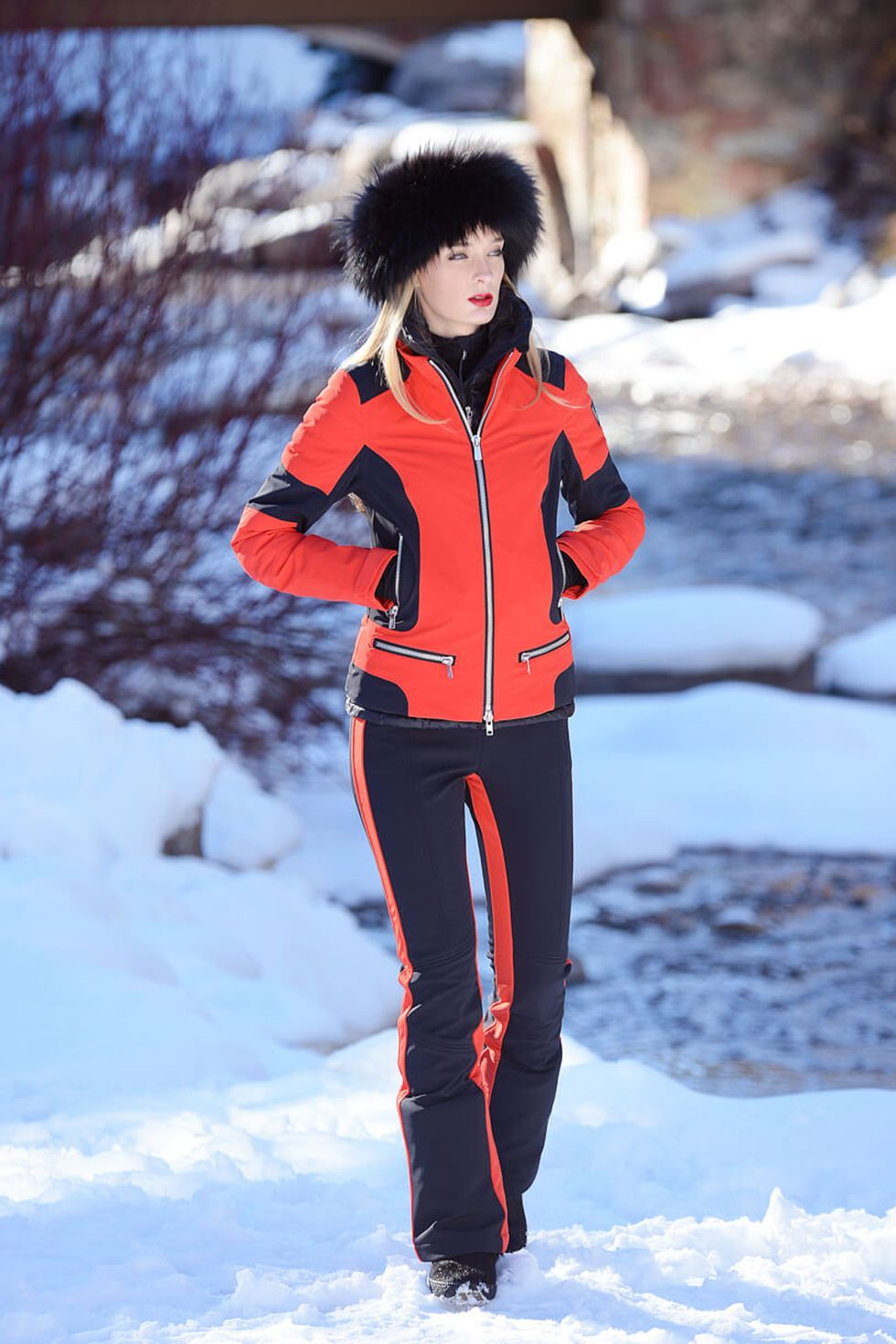 Fashionable Women Snow Outfits For This Winter 57