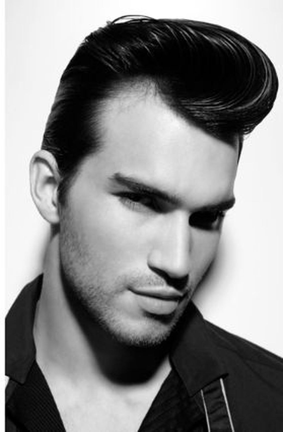 Men classy modern pompadour hairstyle 27 - Fashion Best