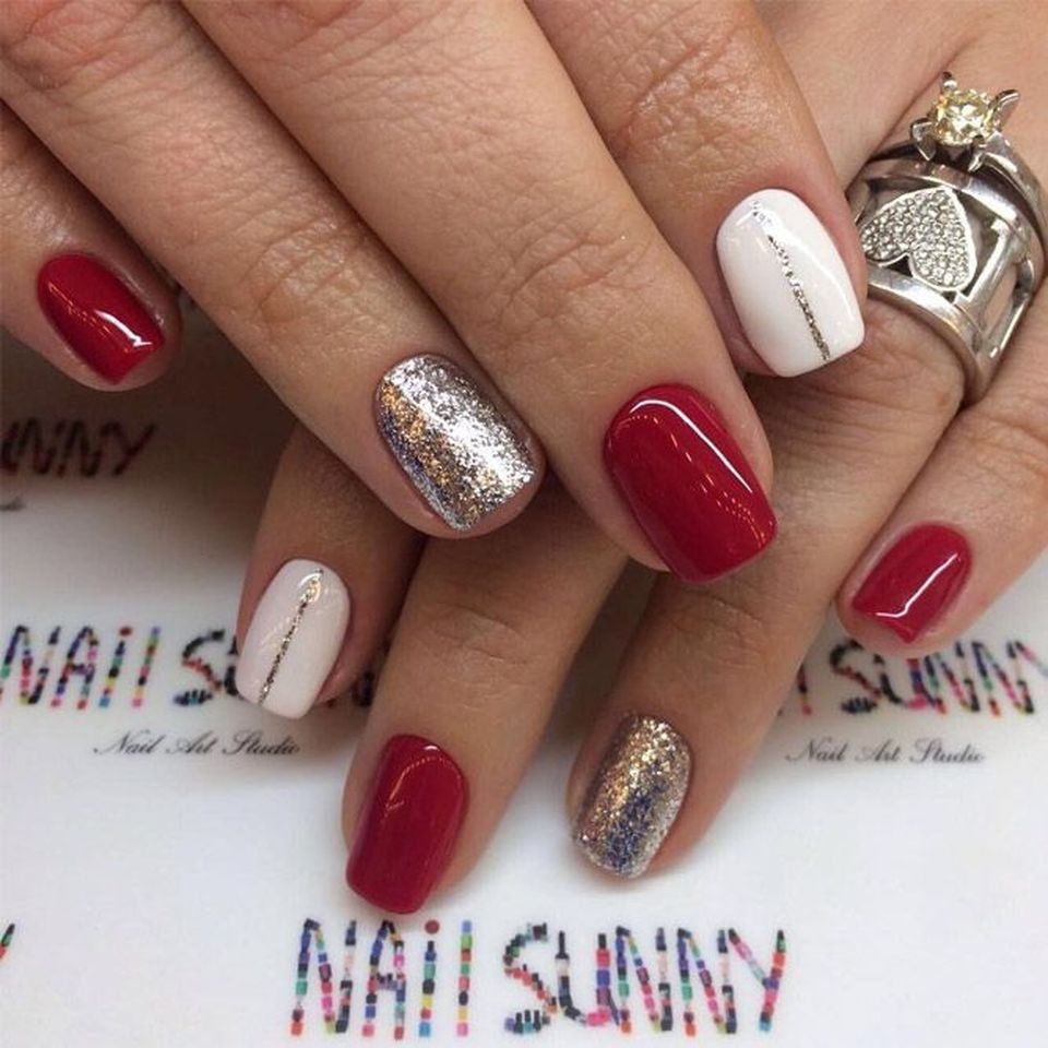 Best Christmas Gel Nails: Pretty Winter Nails Art Design Inspirations 56