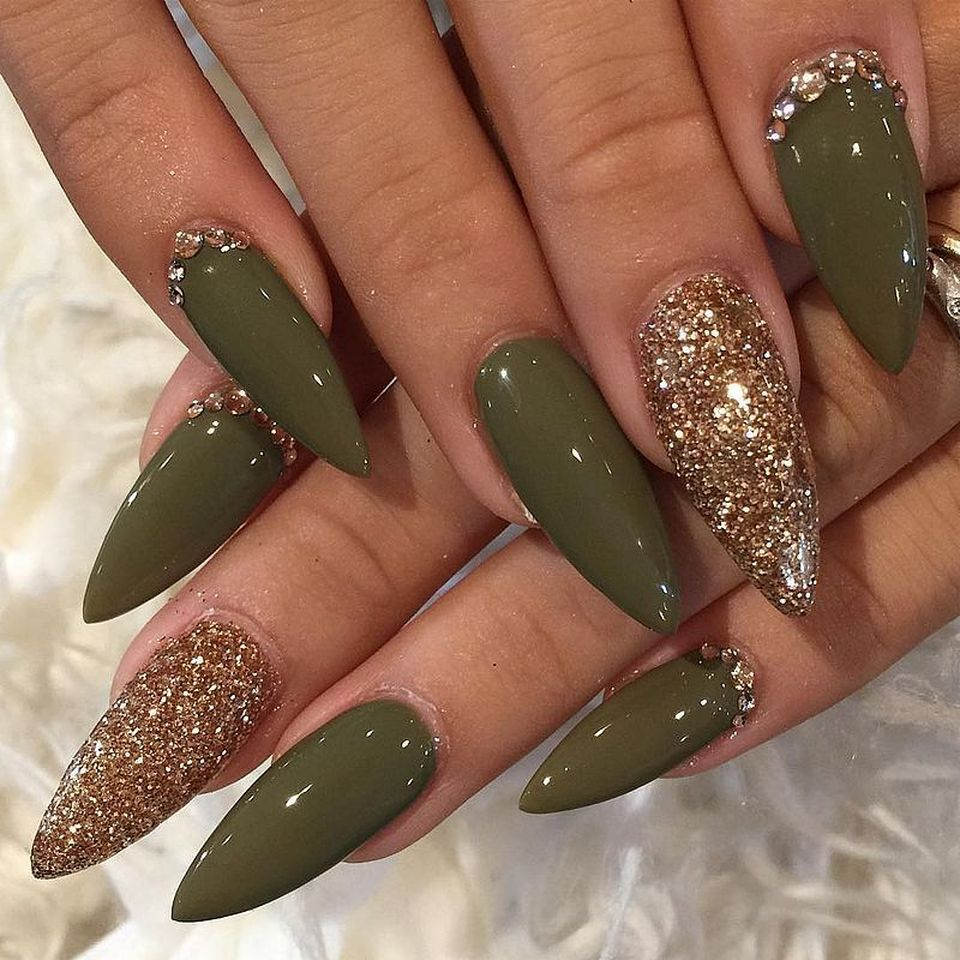 Sweet acrylic nails ideas for winter 126 - Fashion Best