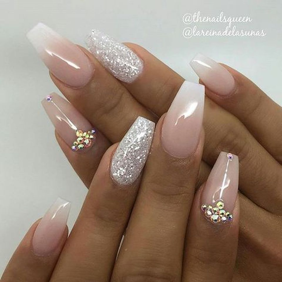 Sweet Acrylic Nails Ideas For Winter 5