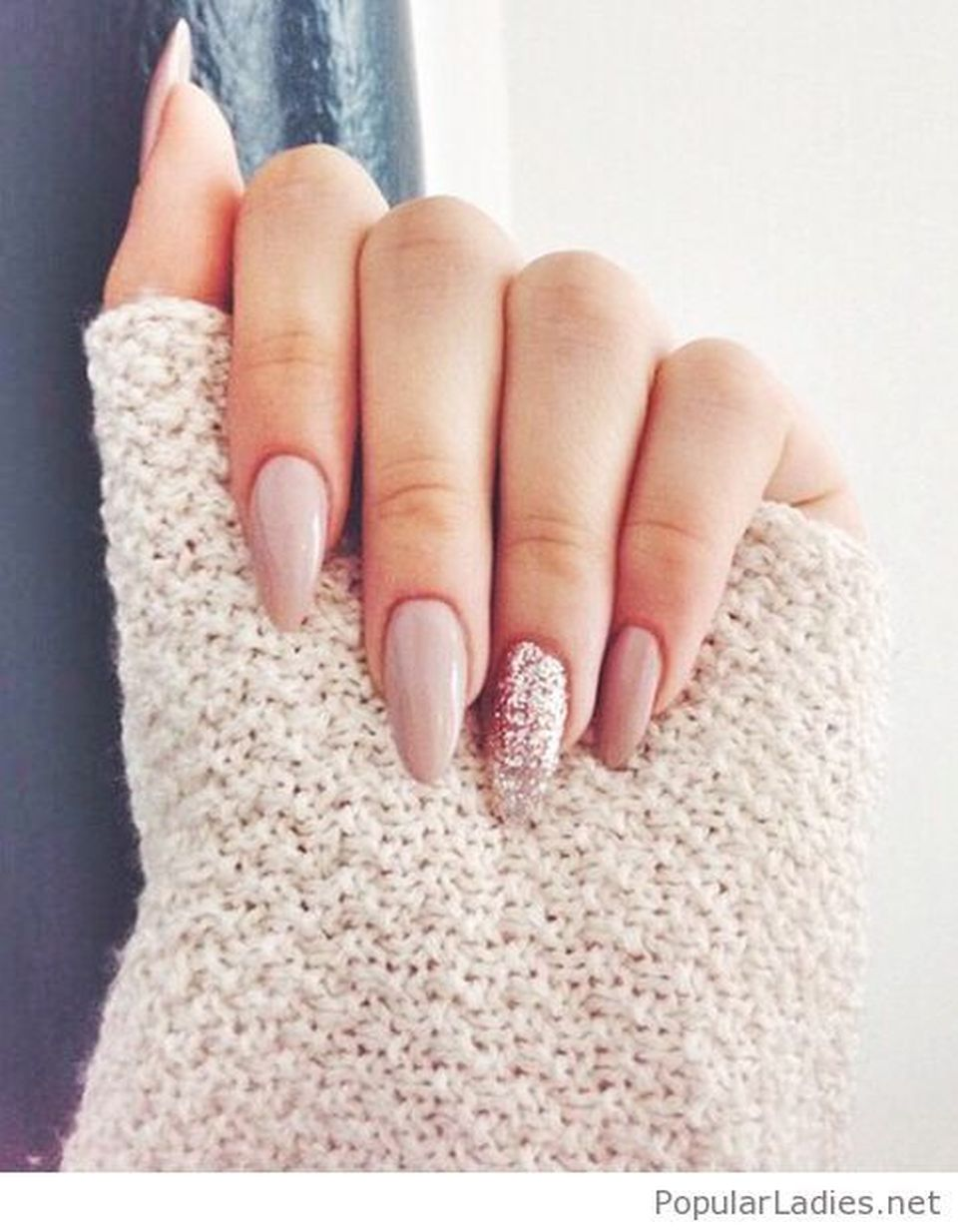 Sweet acrylic nails ideas for winter 73 - Fashion Best