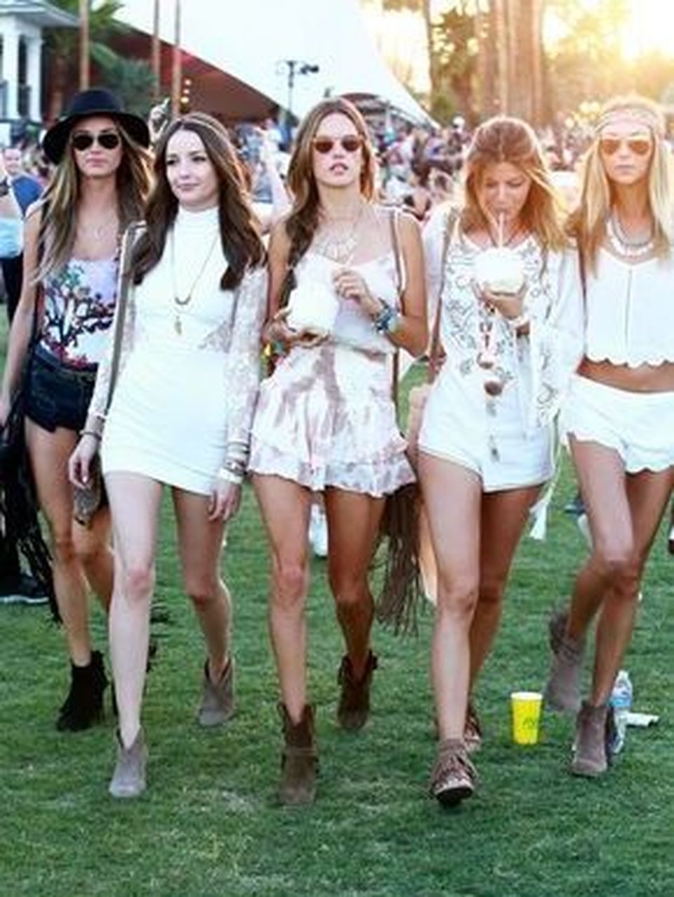Best boho dress ideas for coachella outfits 55 - Fashion Best
