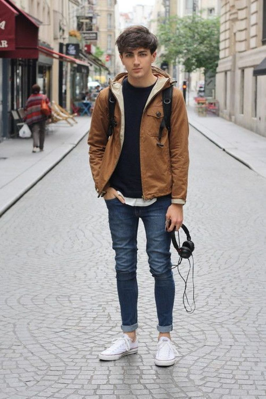 Watch 15 Spring Street Style Outfits From New York: Slip-On Sneakers, Faded Denim,More video